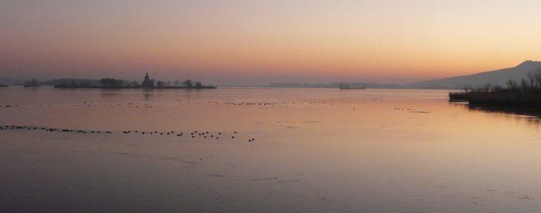 Východ slunce nad Pálavou a Mušovem